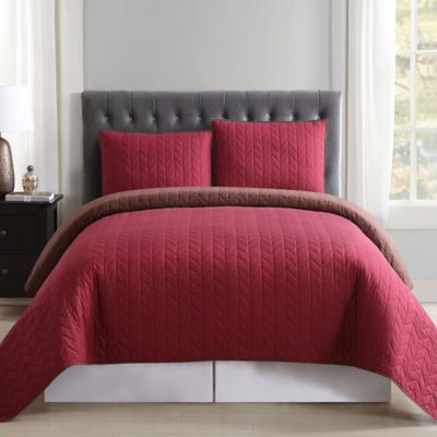 Truly Soft Everyday Reversible King Quilt Set In Burgundy/Brown