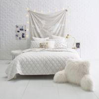 Gold Fret Twin Quilt Set in White