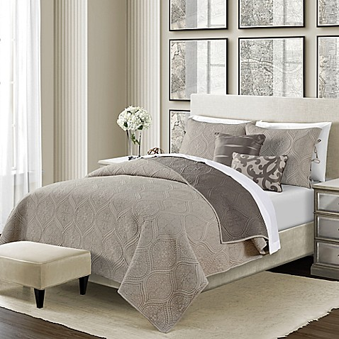 Camber reversible quilt set bed bath beyond for Quilted headboard bedroom sets