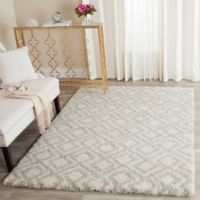 Safavieh Arizona 4-Foot x 6-Foot Shag Area Rug in Ivory/Beige