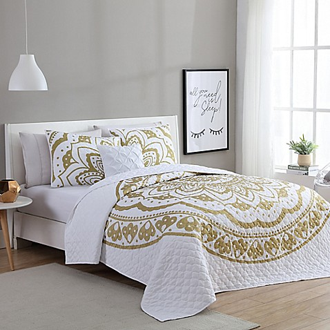 image of VCNY Karma Quilt Set in Gold/White