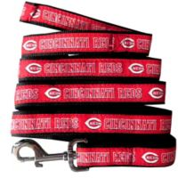 MLB Cincinnati Reds Medium Pet Leash