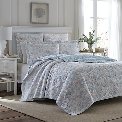 Laura Ashley 174 Coral Sea Reversible Quilt Set In Light Grey