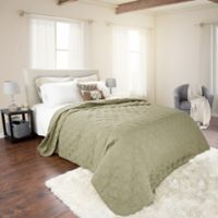 Nottingham Home Solid King Quilt in Green