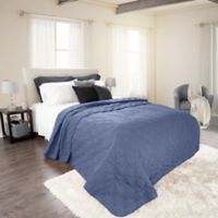 Nottingham Home Solid King Quilt in Navy