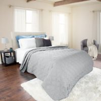 Nottingham Home Solid King Quilt in Silver