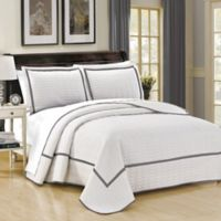 Chic Home Halrowe Reversible King Quilt Set in White