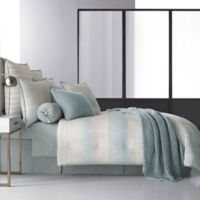 Oscar/Oliver Vince Reversible California King Comforter in Aqua