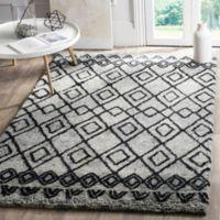 Safavieh Casablanca Phoebe 5' x 8' Area Rug in Grey/Charcoal