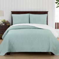 Brielle Casablanca Reversible King Quilt Set in White/Seafoam