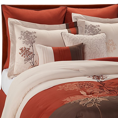 Jacklyn King Bedding Ensemble