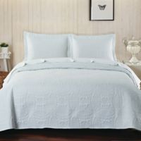 De Moocci Chinese Coin Queen Coverlet Set in White