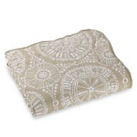 Sand Dollar Quilted Throw Blanket in Tan