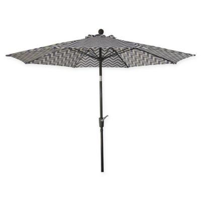 Market 9 Foot Round Umbrella In Blue/White