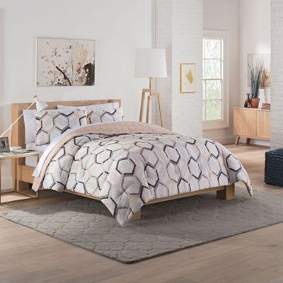 Vue Hexagonal Reversible Queen Comforter Set In Grey