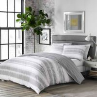 City Scene Ziggy Reversible Full/Queen Duvet Cover Set in White