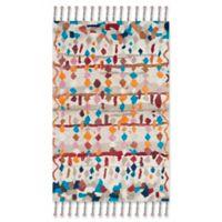Safavieh Casablanca Delilah 5' x 8' Area Rug in Ivory