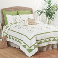 Martinique Full/Queen Quilt in Green/White