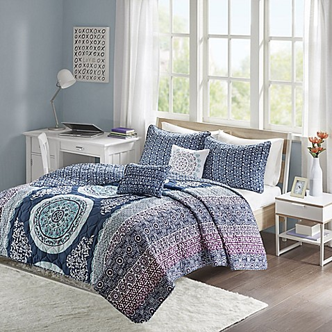 image of Intelligent Design Loretta Coverlet Set