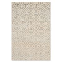 Safavieh Colleen Geometric 5' x 8' Area Rug in Silver