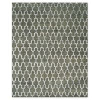 Safavieh Grace Quatrefoil 8' x 10' Area Rug in Charcoal
