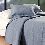 Matelassé Reversible King Quilt in Blue