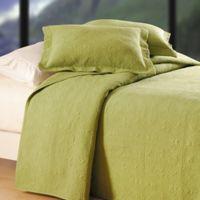 Matelassé Reversible Full/Queen Quilt in Green
