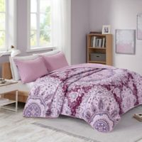 Intelligent Design Odette Full/Queen Quilt Set in Berry