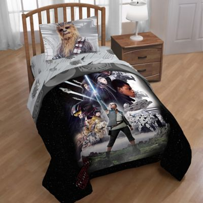 Star Wars™ Episode 8 Epic Poster Reversible Twin Comforter In Black