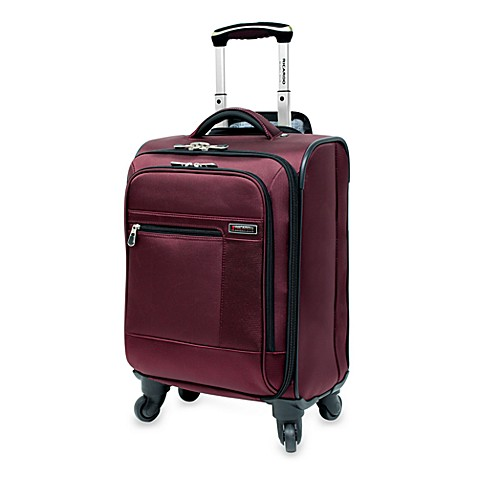 Durable and stylish, this piece of luggage from Ricardo Beverly Hills is built with a strong, lightweight polycarbonate shell designed to withstand impact on-the-go. Smooth-rolling double-spinner wheels offer maximum mobility for easy travel.