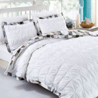 Pin Tuck Geometric Reversible Full/Queen Duvet Cover Set in White