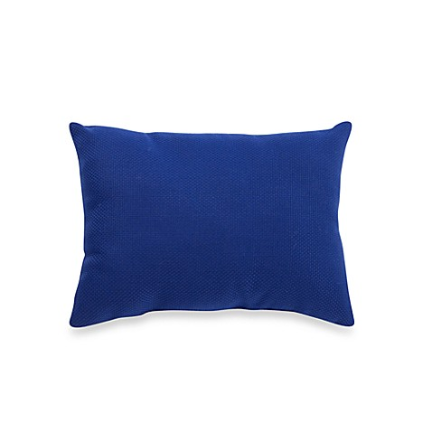 Indoor/Outdoor Oblong Knife Edge Throw Pillow in Blue