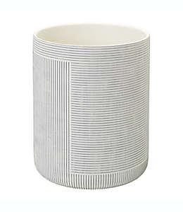 Bote de basura de resina Studio 3B™ Cross Hatch color blanco coco