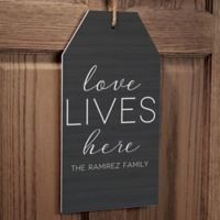 Love Lives Here Wall Tag