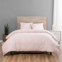 Vue Elements Melba Queen Coverlet Set in Pink