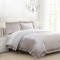 Fayella Full/Queen Comforter Set in Champagne