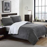 Cable Plush Reversible Full/Queen Quilt Set in Grey