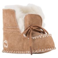 Lamo® Size 9-12M Sheepskin Baby Moc in Chestnut