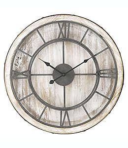 Reloj de pared de hierro forjado Sterling & Noble™ Farmhouse Collection, 50.8 cm en blanco