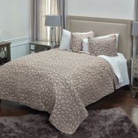 Rizzy Home Petal King Quilt Set in Natural