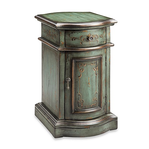 Madison Park Scroll Leaf Chairside Accent Table