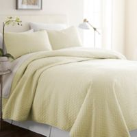 Home Collection Herring Queen/Full Quilt Set in Yellow