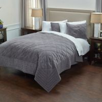 Rizzy Home Collin King Quilt in Grey