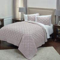 Rizzy Home Wren Queen Quilt in Blush