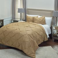 Rizzy Home Carrington King Quilt in Khaki