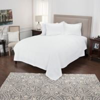 Rizzy Home Lydia King Quilt in White