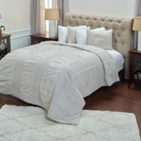 Rizzy Home Carly King Quilt in Natural