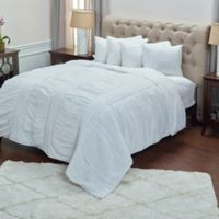 Rizzy Home Carly King Quilt in White