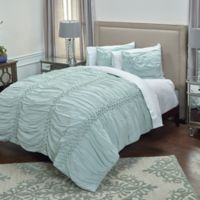 Rizzy Home Chelsea Queen Quilt in Blue