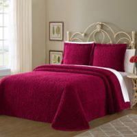 Wedding Ring Queen Bedspread in Red